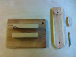 Holzfuß mit ersten Schenkel