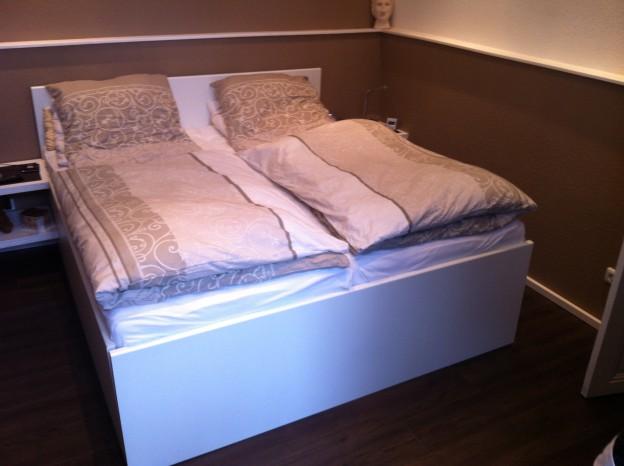 ehebett aus ikea arbeitsplatten selbst gebaut der kellerwerker. Black Bedroom Furniture Sets. Home Design Ideas