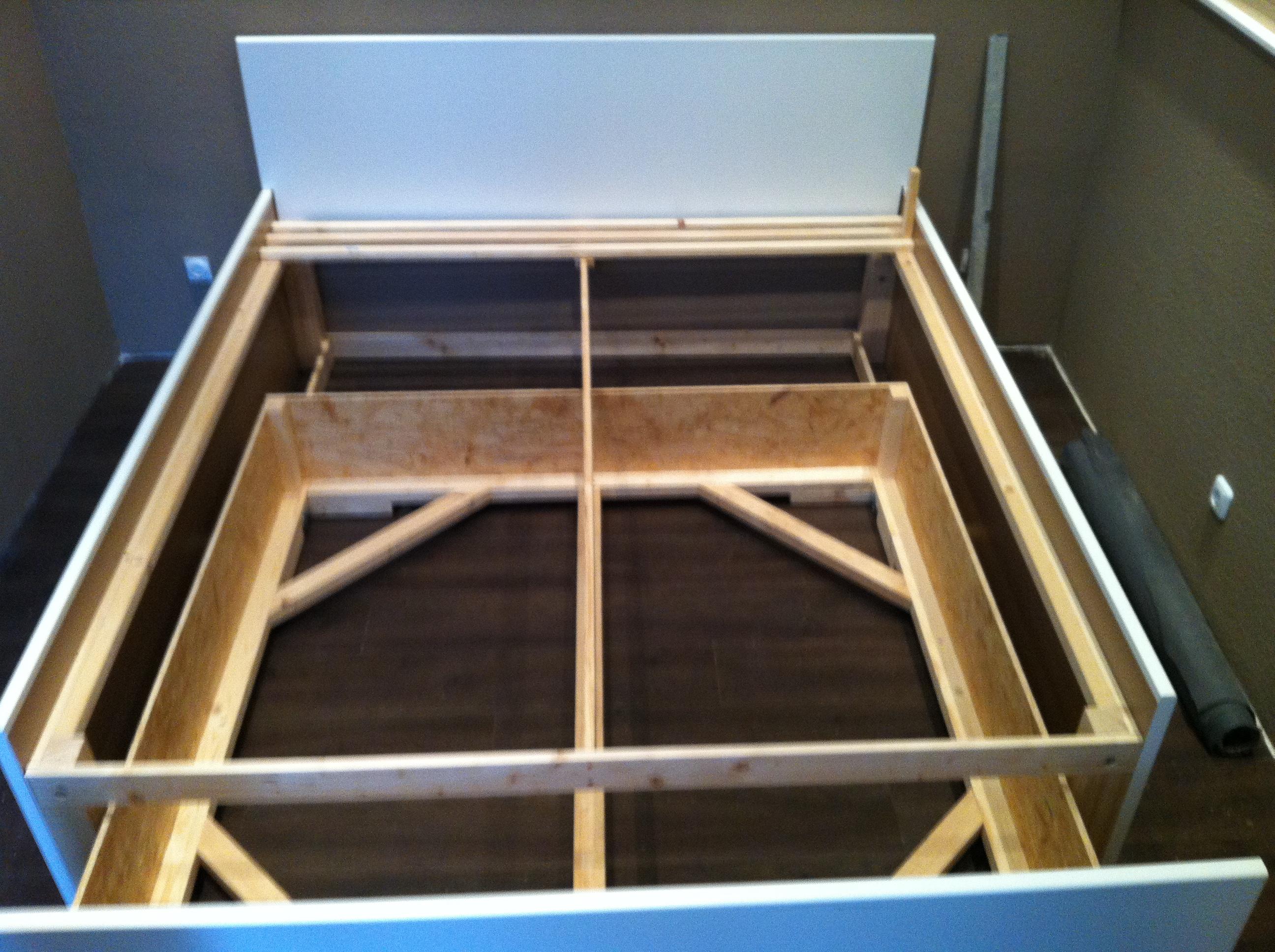 Ehebett aus ikea arbeitsplatten selbst gebaut