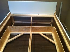 ehebett aus ikea arbeitsplatten selbst gebaut. Black Bedroom Furniture Sets. Home Design Ideas