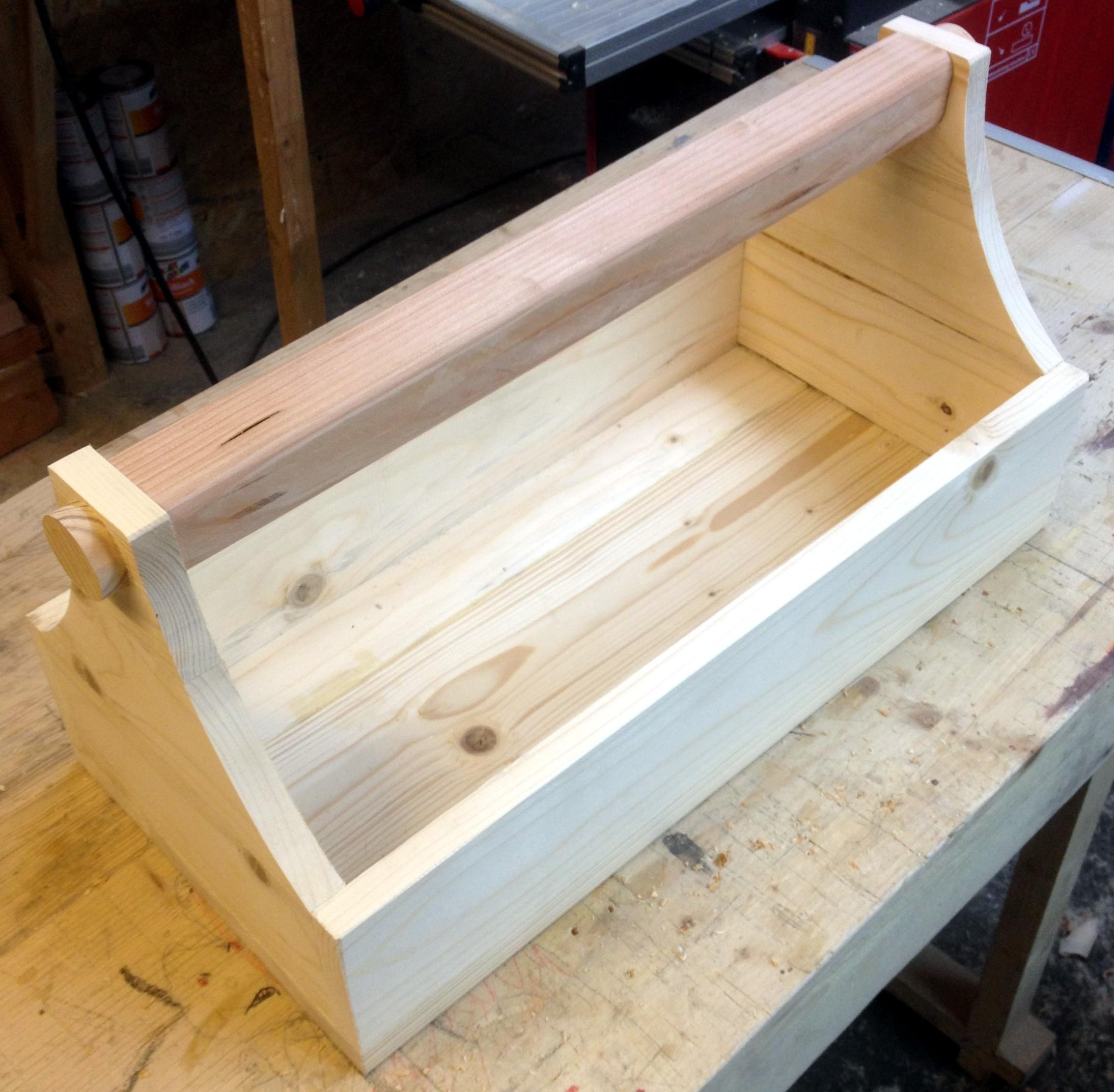 werkzeugbox selbst gebaut der kellerwerker. Black Bedroom Furniture Sets. Home Design Ideas