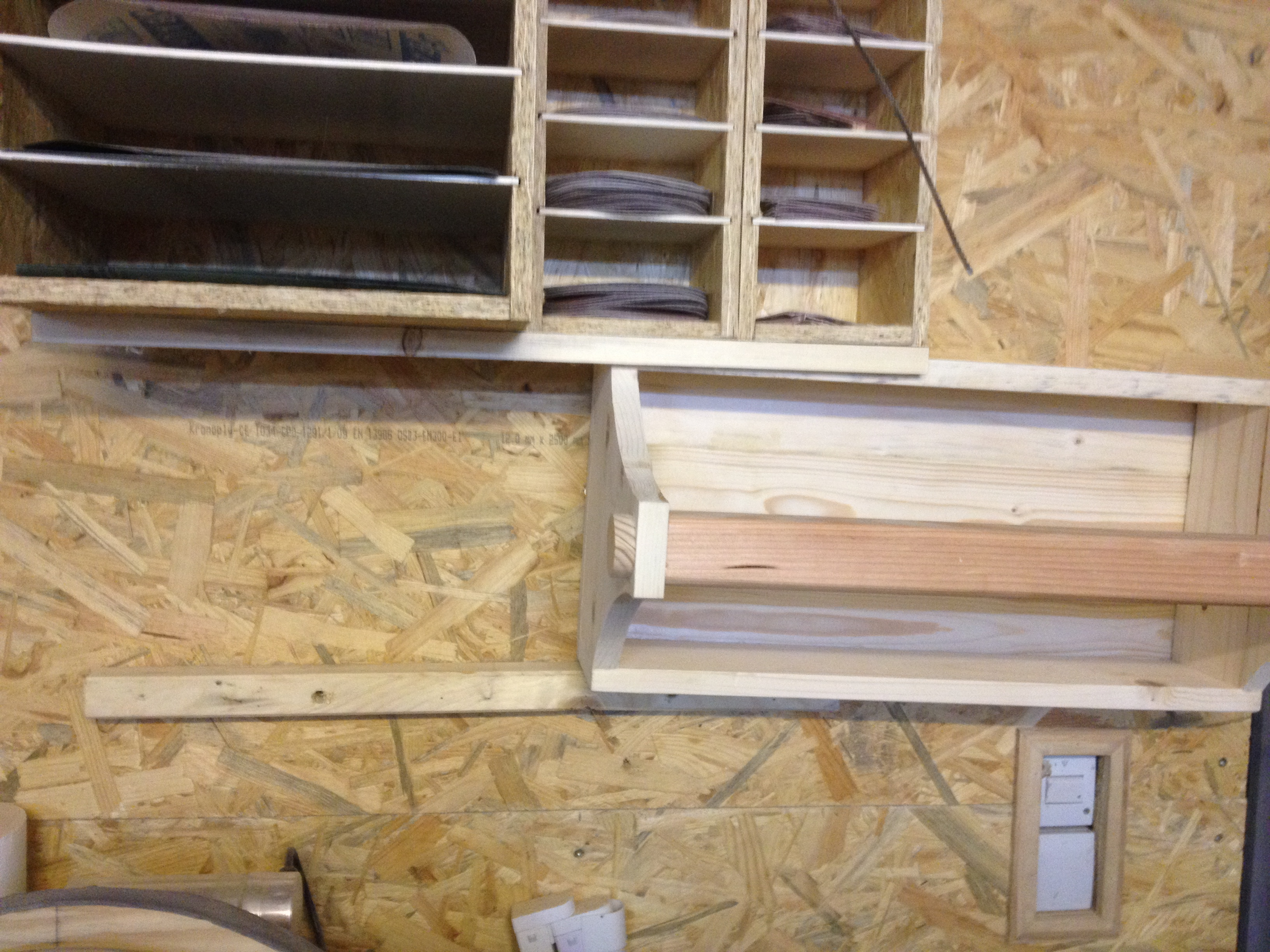 halterung f r die werkzeugbox der kellerwerker. Black Bedroom Furniture Sets. Home Design Ideas